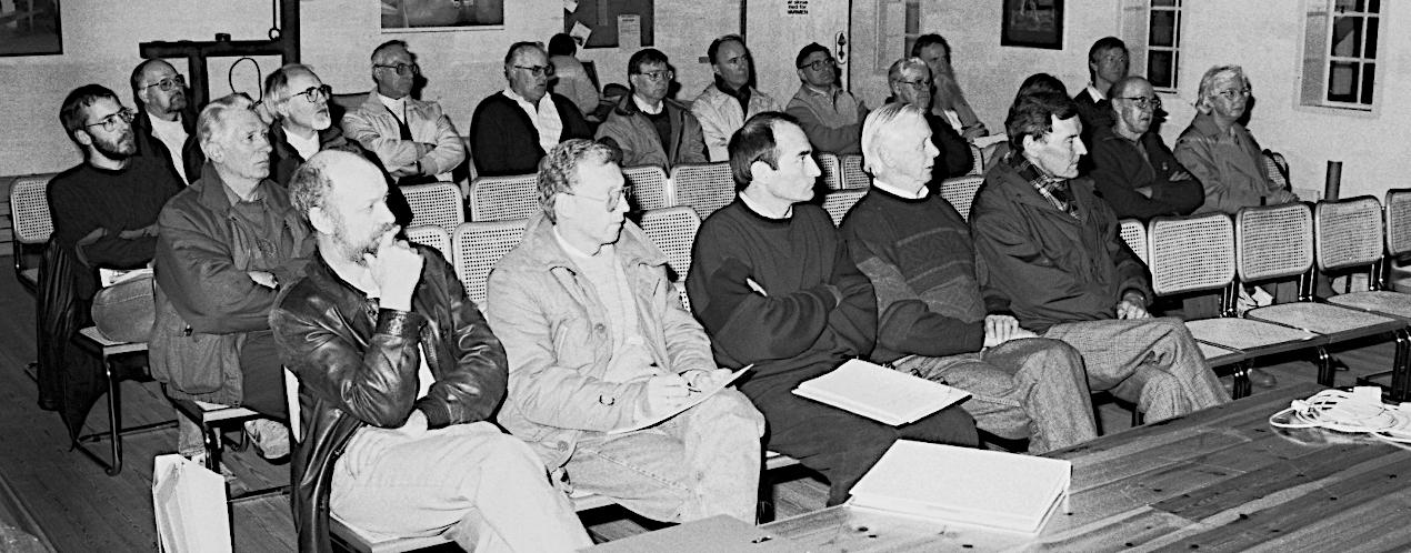 Et medlemsmøde i Alsingergården i april 1992.